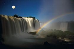 Noites de Lua Cheia nas Cataratas