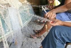 Tecendo redes de pesca