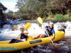 Rafting é o mais famoso passeios de aventura praticado em Brotas, e também um esporte profissional, no qual o Brasil é bi campeão mundial